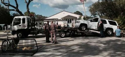 tow truck at accidents site
